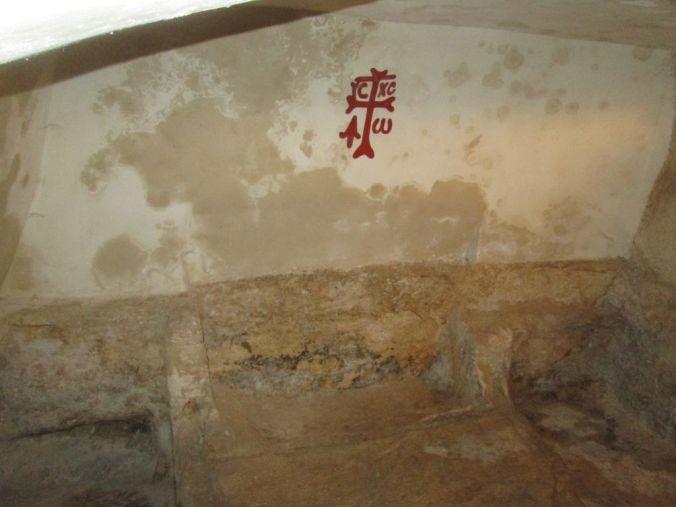 tomb02