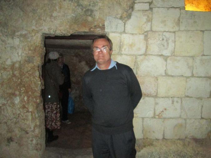 tomb03